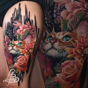 cat, pet, brushstrokes, flowers, rose, berries