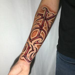 Kanji -------------------------- Contato pelo link no perfil! 📲 -------------------------- #tattoosp #tatuagemsp #tatuagemescrita #letteringtattoo #lettering #tattoolettering #tattoosp #customletteringtattoo  --------------------------
