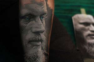 Ragnar portrait tattoo by tattoo artist Alexei Mikhailov @mikhailovtattoo
