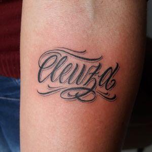 -------------------------- Orçamentos pelo link no perfil! 📲 -------------------------- #tattoosp #tatuagemsp #tatuagemescrita #letteringtattoo #lettering #tattoolettering #tattoosp #customletteringtattoo --------------------------