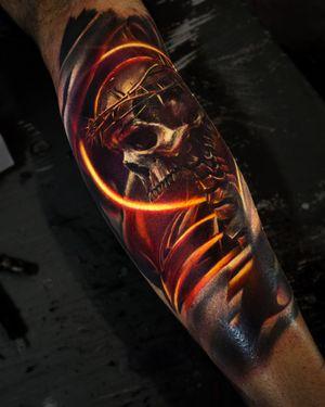 Realistic tattoo by tattoo artist Alexei Mikhailov @mikhailovtattoo \ art by Billelis