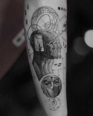 Out of Mind • • Sponsored by @eztattooing @panormostattoo @tattoobull.lab #vselect #vselectcartridges #tattoo #art #history #lion #statue #composition #bodyart #davinci #esquisse #blackandgreytattoo #black #ink #inkstinctsubmission ##blackwork #tatts #inkedmag #tattooist #artist #sametyamantattoos #tattoodo #design #tattoodesigner