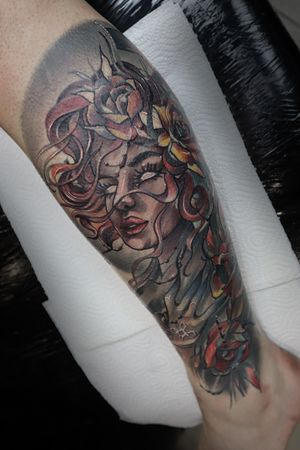 One of the last projects that I were able to finish before another lockdown closed us again. Thanks Marshall! #legtattoo #woman #womantattoo #calftattoo #beautifultattoos #legtattooideas #neotraditional #neotraditionaltattoo #wandaltattoo