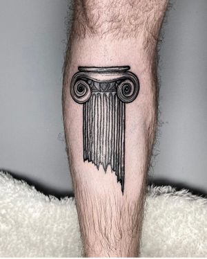 ✺ Coluna Jónica ✺ Thanks, François 🖤 . . . #colunajonica #columntattoo #ioniccolumn #tattoolisboa #tattoo #engravingtattoo #engravingstylle #tattoo2me #tattooinspiration #tattooink #tattooartist #drawing #engraving #drawhandmade #tattoolisbon