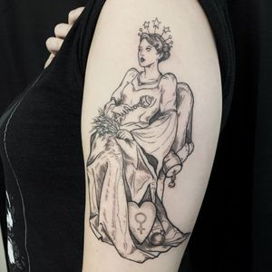 Tattoo by Léa Joyeux aka starseed ink #LeaJoyeux #starseedink #illustrative #linework #queen #goddess #deaity #star #heart #woman #portrait