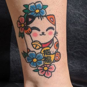 Healed lucky cat