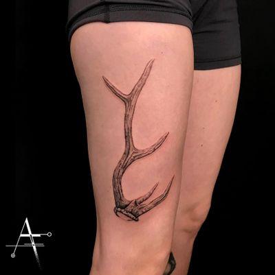 🦌 . For custom designs and booking; alperfiratli@gmail.com . . . . . #antlers #realistictattoo #realistic #antler #deerantlers #tattoo #tattooartist #tattooidea #antlerart #deerdrawing #inked #customtattoo #tattooist #deerantler #animaltattoo #surreal #realisticart #antlertattoo #realisticdrawing #horns #horn #stag #deertattoo #naturetattoo #nature #deerofinstagram