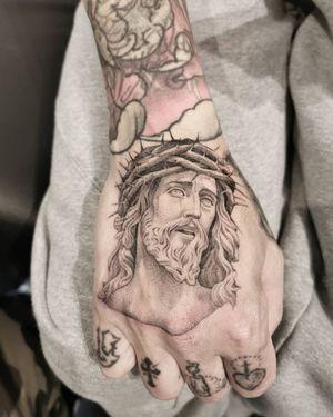Tattoo by Dizzycali of L'Encrerie #dizzycali #lencrerie #jesus #handtattoo
