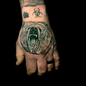 Tattooed Nick's bear hand!