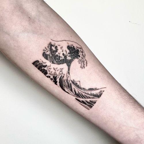 The great wave. #hokusaitattoo #wavetattoo #japanesewave #paintingtattoo #tattoodo #tattoowave