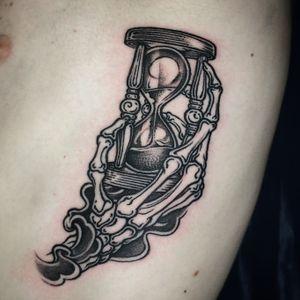 Merci Jules! 💀⏳ ; Heavy metal-grip 👍 done @laboucheriemoderne ; #customtattoo #tattoo #art #tattoodesign #tattooideas #tattooer #tattooist #berlintattooers #brussels #brusselstattoo #tattooed #inked #berlintattoo #tattooberlin #skeleton #skeletontattoo #hourglass #esoteric #blackwork #blackworkers #blackworkersubmission #etchingtattoo #blackouttattoo #neotraditionaltattoo #life #death #pain #thinkbeforeuink #taot #tattoodo