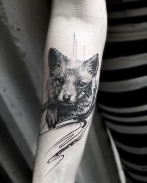 A little foxy for the weekend ⭕️ Köszönöm a bizalmat @devilanna 💪🏽 . . . #budapesttattoo #tattooed #inked #tattoomodel #tattoo #art #artist #tattooartist #budapest #bp #europe #europetattoo #fox #foxtattoo #sketch #dailytattoo #hungariantattoo #realistictattoo #blackwork #photography #travel #girlytattoo