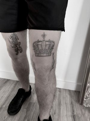 HEALED - Crown - Lion - Family Crest - single needle • Contact me on my Instagram @paigejeantattoos or text me at 805-835-2230 (: