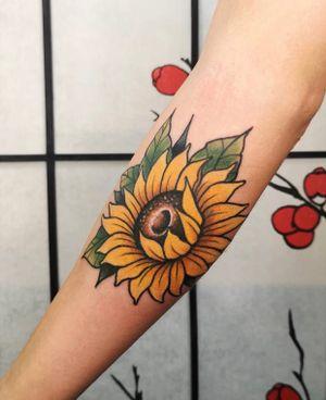 Sunflower #sun #sunflowertattoo #flower #flowertattoo