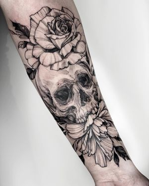 @majic.tattoos on insta for more! #skull #rose #tattoo