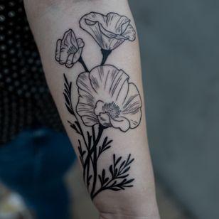 Floral tattoo by Migdy #Migdy #illustrative #linework #fineline #blackwork #flower #floral