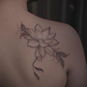 #lotus #finelinetattoo #lotustattoo #delicate #whimsy #losangeles #blacksndgray #floraltattoo
