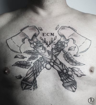 Segunda sesión de estas hachas! @kwadron @eternalink #tattoo #ink #axetattoo #axe #chesttattoo
