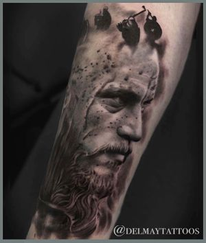Ragnar Lothbrok from Vikings TV series, that blood eagle, ouch!