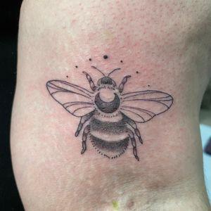 Small bumblebee #chicago #chicagotattooartist #chicagotattooshop #wipshading #dotshading #tattoo #bumblebeetattoo #tattooshop #armtattoo #midwestattooer