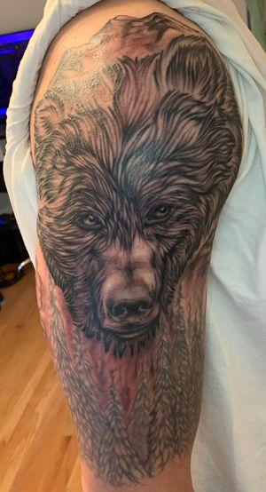 Mountain bear half sleeve