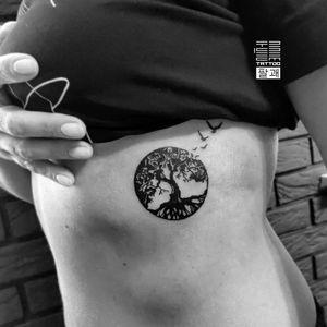 """""""Tree of life"""" - Перша тату для Оксани. Вітаємо в сім'ї татуйованих. - #тату #деревожиття #деревожизни #trigram #tattoo #treeoflife #inkedsense"""