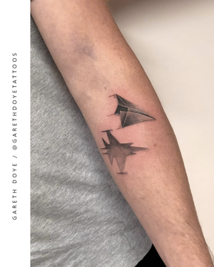 B A N G E R S . . . A few little ones by @garethdoyetattoos. Big or small, we tattoo it all. . . . . SAME DAY BOOKINGS AVAILABLE. . . . DM: @kakluckytattoos Call - 021/422/2963 Email - info@kakluckytattoos.com . . . #tattoo #tattoos #capetown #kakluckytattoos #art #kaapstad #mementomori #skull #skulltattoo #fineline #blackwork #capetowntattoo #bangers #smalltattoos #wedoitall #artist #mood #gettattooed #instagood #love #freshaf #belekker #weekendmood #tattoosofig