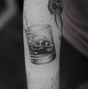 • • • Sponsored by @eztattooing #vselectcartridges #vselect #tattoo #art #composition #bodyart #esquisse #blackandgreytattoo #black #ink #inkstinctsubmission ##blackwork #tatts #inkedmag #tattooist #artist #sametyamantattoos #tattoodo #design