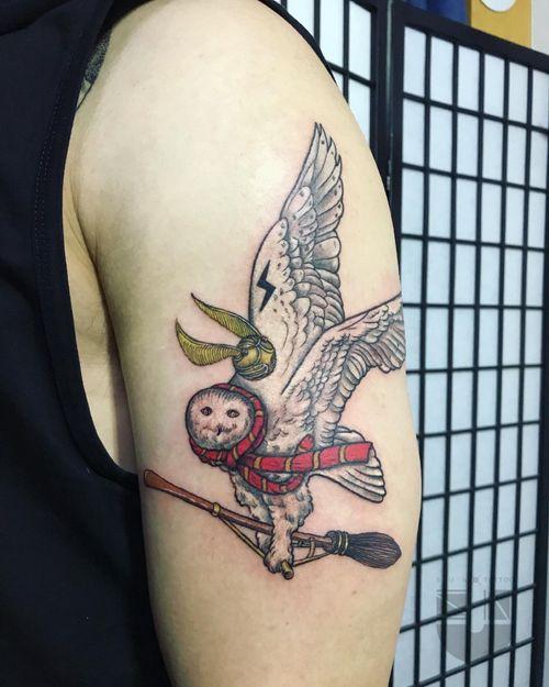 Hedwig with magic 🦉 WeChat ID:suntattoo01(only for work)........................... ........................... ........................... #tattooed #tattooart #chinesetattoo #tattooartists #tattoodo #skin #design #skinart #skinart_traditional  #chinesetattoos #drawing #sketch #thebesttattooartists #routines #art #workharder #suntattoostudio #suntattooparlor #neotraditionaltattooers #neotraditional #neotraditionaltattoo #neotraditionaltattoos #neotraditionals #neotradstyle #neotrad #geometrictattoos #tattoodo