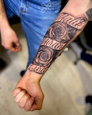 Lettering and Roses tattoo. @Blacksmith.Tattoo