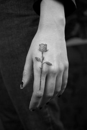Gothic rose #fingertattoo #rose #fineline #darkart #gothic