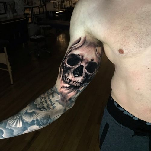Fun custom skull. Other work below not done by me. Looking forward to doing more work like this 🤘🏽 #denvertattoo #denvertattoos #denvertattooartist #denvertattooer #denvertattooshop #coloradotattoo #coloradotattooartist #coloradotattooers #coloradotattoos #skull #skulltattoo #darkart #blackandgrey