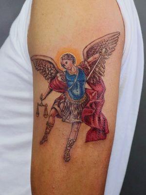 Arcángel Miguel. Me ayudarían mucho compartiendo mi trabajo 😁Cotizaciones a mi whats 2223605806 y DM 🤘🏻🤓 #arcangelmiguel #pintura #painting #michaelarchangel #religion #tattoo #tatuaje #colortattoo #menwithink #tattooedboys #HybridoKymera #puebla #mexico #tatuadoresmexicanos #tatuadorespoblanos #pueblacity #hechoenmexico #madeinmexico #tatuadoresmx #mexicotattoo #mexicanpowertattoo #tattoodo @boycottproducts @fkirons @sullenclothingmx @tatuartemagazine @tattoodo  @monster_energymx @dcshoes_mexico @radiantcolorsink @vivalatintamx