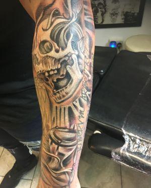 Sleeve skull
