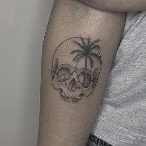 Skull and palm tree. #fineline #palmtree #skull #summer #vibes #forearm