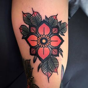 Would love to do more of these! #flowers #flowertattoo #neotraditional #neotradstyle #londontattoos