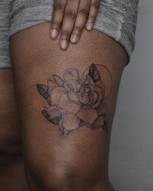 Flowery leg piece. #flowers #legtattoos #legpiece #nyc #brooklyn #finelinetattoos #fineline #delicate
