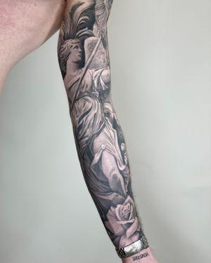 Inside look of a sleeve I recently did. #armsleeve #fullsleeve #black&grey #copenhagentattoos #CPH