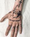Quick handjob. All freehand.  #hand #handtattoos #lady #fast #copenhagen #barbwire #feather