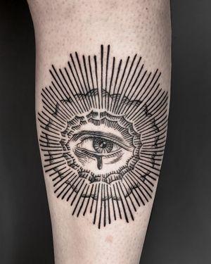 @leonka.art #eye #valenciatattoo #barcelonatattoo #tattoospain #etching #etchingtattoo #engravingtattoo #engraverstattoo #grabado #grabadotattoo #gravur #gravure #fineline #finelinetattoo #eyetattoo