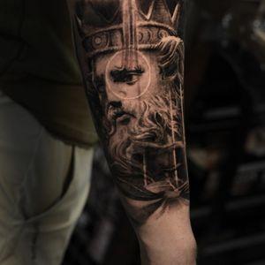Appointment: turuianumihaialexandru@gmail.com www.turuianumihai.com https://www.instagram.com/turuianu.mihai @cheyenne_tattooequipment @fkirons @worldfamousink @no.regrets.uk #legendaryink #xiontattoomachine #relistictattoo #bristoltattoo #photorelism #tattooartist #tattoosurrealism #skinart #skinartmag #inkaddict #inksav #realismtattooartist #art #ink #realismartist #realismotattoo #inked #photorealism #inked #painttattoo #inkaddicted #inklovers #bristol #portraittattoo