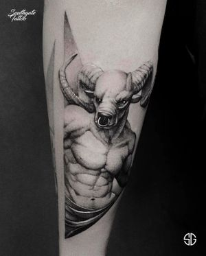 • Minotaur • custom blackwork piece by our resident @o.s.c.r.tttst for @aa_kns Books/Info: 👉🏻@southgatetattoo • • • #minotaur #minotaurtattoo #customtattoo #southgatetattoo #sgtattoo #sg #blackworktattoo #darktattoo #londontattoostudio #londontattoo #ink #fit #abs #sporttattoo #muscles