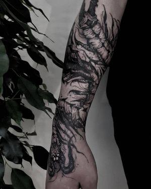 Freehand Centipede #centipedetattoo #uktattoo #ukart #uktta #londontattoo #birminghamtattoo #middlesbroughtattoo #darkornaments #darkartists #blackworkers #blacktattooart #blackworktattoos #btattooing #blxckink #blacktattoos #thedarkestwork #onlyblackart #onlythedarkest #blackworkersubmission #tattoowork #tttism #blkttt #artinkpaint #ink_bw #blackworknow #sketchandart #tattooideas #flashwork #artesobscurae #centipedetattoo #uktattoo #ukart #uktta #londontattoo #birminghamtattoo #middlesbroughtattoo #darkornaments #darkartists #blackworkers #blacktattooart #blackworktattoos #btattooing #blxckink #blacktattoos #thedarkestwork #onlyblackart #onlythedarkest #blackworkersubmission #tattoowork #tttism #blkttt #artinkpaint #ink_bw #blackworknow #sketchandart #tattooideas #flashwork #artesobscurae