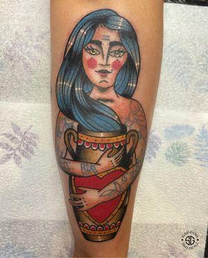 • Aquarius • traditional beauty by our resident @nicole__tattoo Books/Info: 👉🏻@southgatetattoo • • • #aquarius #customtattoo #southgatetattoo #sgtattoo #sg #traditionaltattoo #starsign #londontattoo #tattoo #northlondontattoo #aquariustattoo