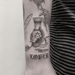 Illustrative tattoo by Jesus Antonio #JesusAntonio #illustrative #fineline #chicano #blackandgrey #vase #rose #pattern #floral #flower