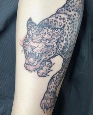 Freehand leopard
