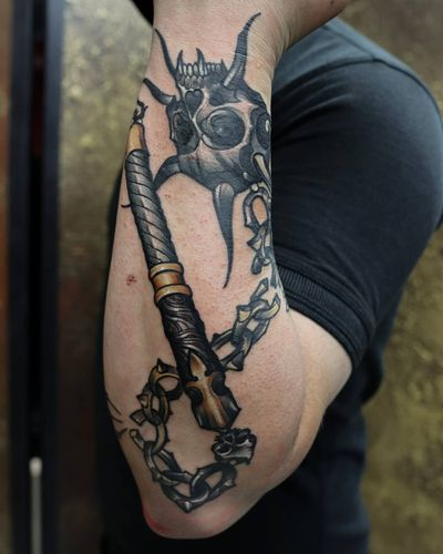 Weapons ⚔️🗡️🔥 What would be yours to get as a tattoo? Tell us in comments! Work by WANDAL @wandal.tattoo Bookings open for 2021 For bookings and enquiries please contact studio over DM or: info@crimsontalestattoo.co.uk Custom Tattoo Studio, Tooting 🇬🇧 #weapon #morgenshtern #tattoosformen #tattoolondon #armtattoo #londontattoos #londontattoostudio #weapontattoo #tattooartistlondon #inkedlifestyle #neotraditionaltattoos #neotradeu #neotradsub #tattooed