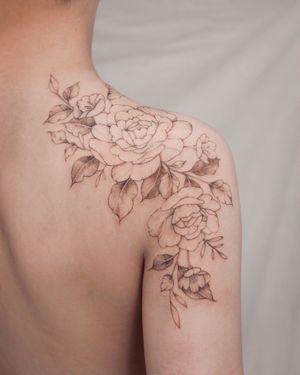 #flower #rose #peony #flowertattoo #floraltattoo #rosetattoo #peonytattoo