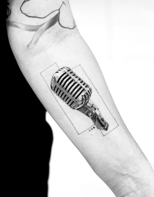 Classic microphone. To remember her dad.