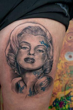 Marylin Monroe portrait #dktattoos #dagmara #dagmarakokocinska #coventry #tattoo #tattoos #tattooideas #tatt #tattooist #realistictattoo #blackandgraytattoo #portrait #portraittattoo #tattooedwomen #tattooforwomen #dkportraits #killerbee #immortalinnovations #pantheraink